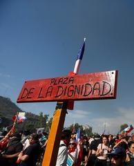 Conferencia Escombros de la ciudad neoliberal Plaza la Dignidad, Santiago de Chile